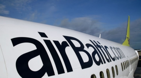 Air Baltic z Warszawy do Wilna i Popradu