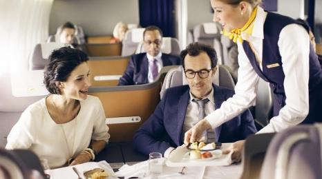 Serwis restauracyjny w biznes klasie Lufthansy