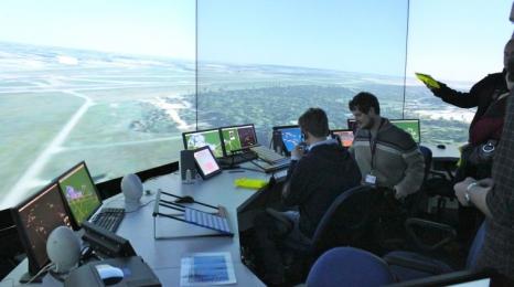 Z wizytą na wieży kontroli lotów!
